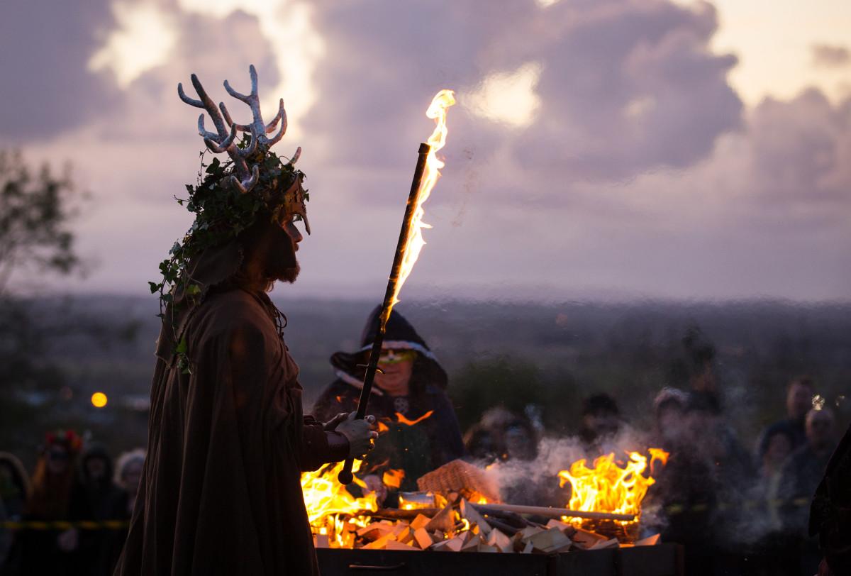 the_festival_of_samhain_is_celebrated_in_glastonbury