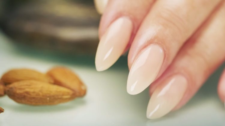 how_to_get_almond_nails_step_by_step_tutorial_750x420